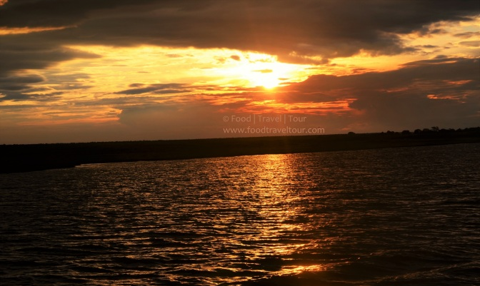 chobe-river-00-sunset-shine-1