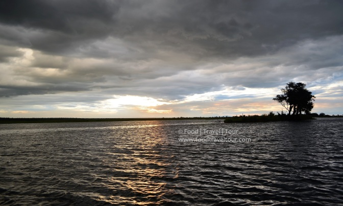 chobe-river-00-sunset-water-clouds-1
