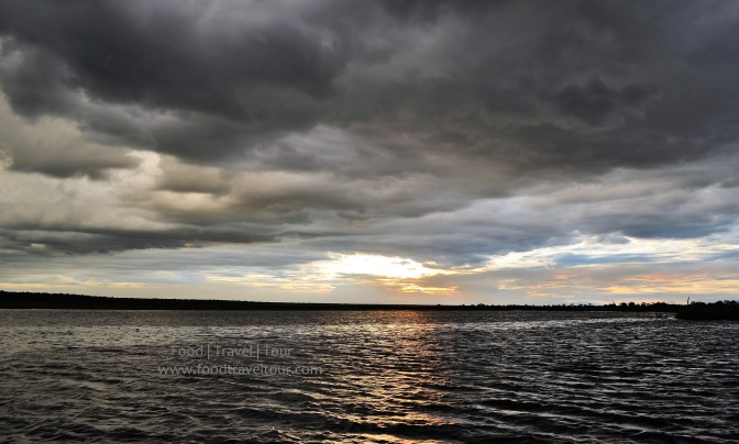 chobe-river-00-sunset-water-clouds-2