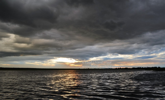 chobe-river-00-sunset-water-clouds-3