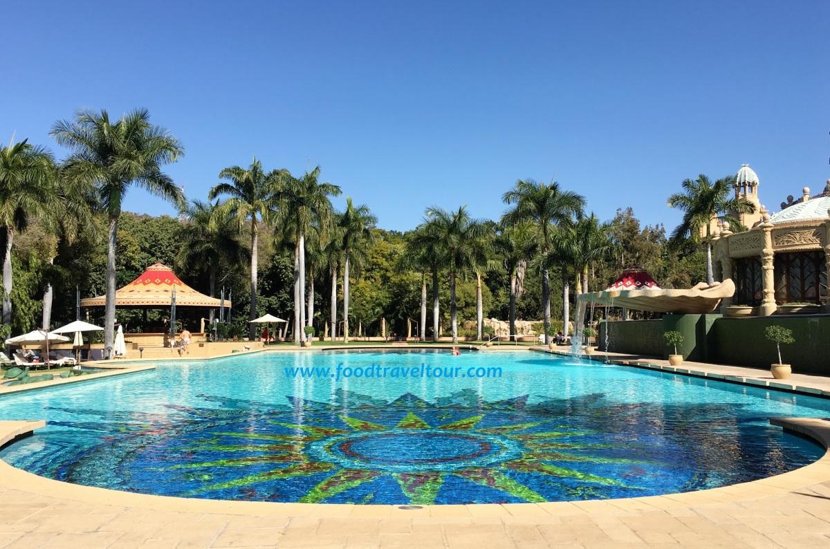 H20 - Palace Pool