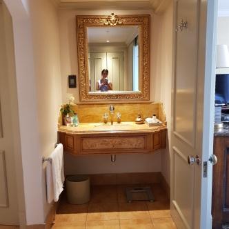 06 Palazzo - Bathroom (2)