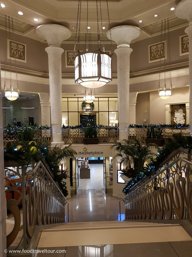 01 Hilton Grand Staircase-Reception (1)