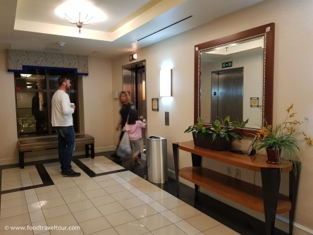 05 Hilton Grand Corridors (1)